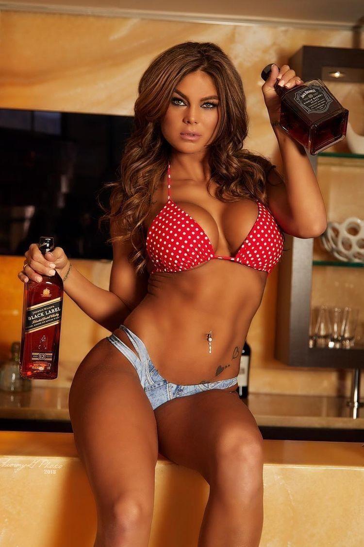 Actriz Porno Exuberante chicas en bikini | www.freee-porns