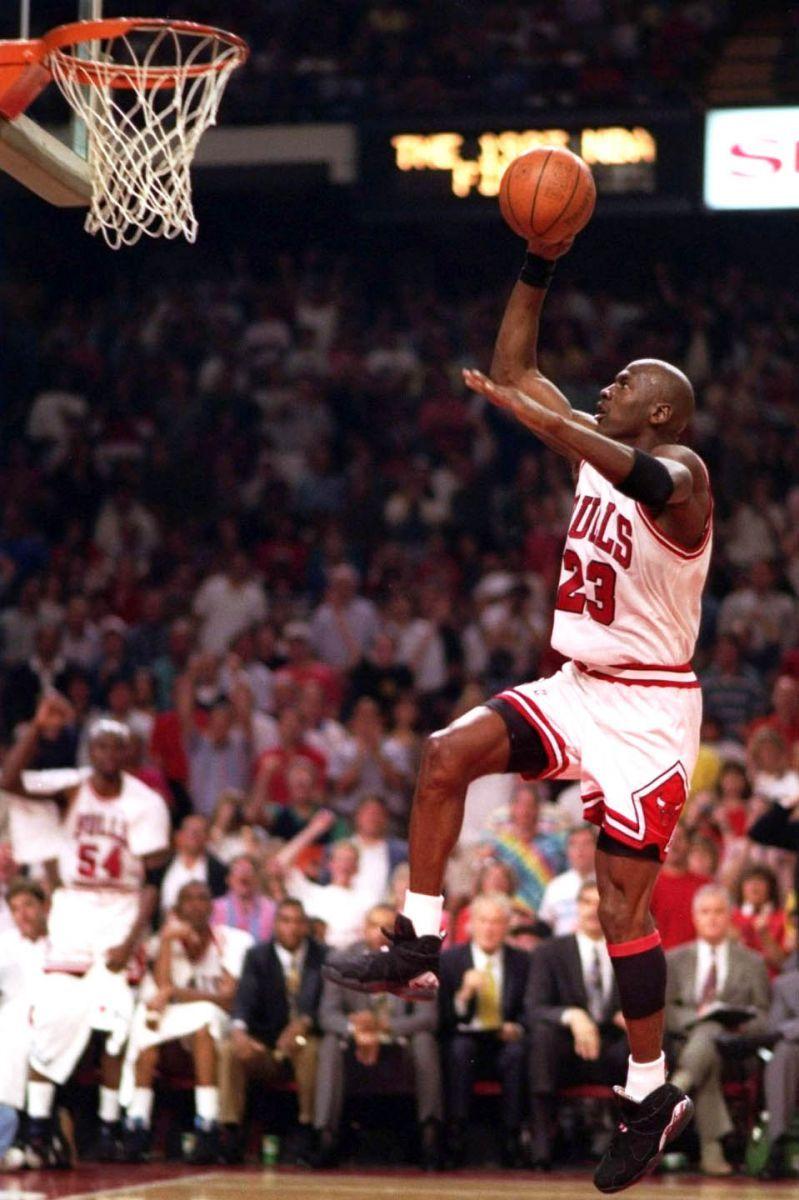 6f82da4563d4d9 Flashback    Michael Jordan in the Air Jordan VIII
