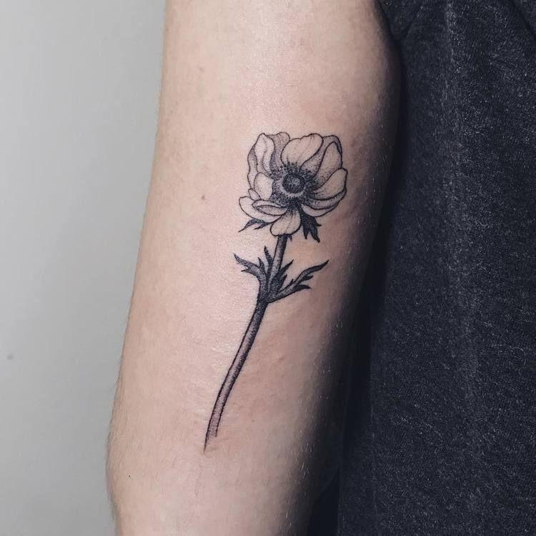 22 Pretty Anemone Tattoo Designs And Ideas Tattooadore Anemone Tattoo Tattoos Floral Tattoo Design