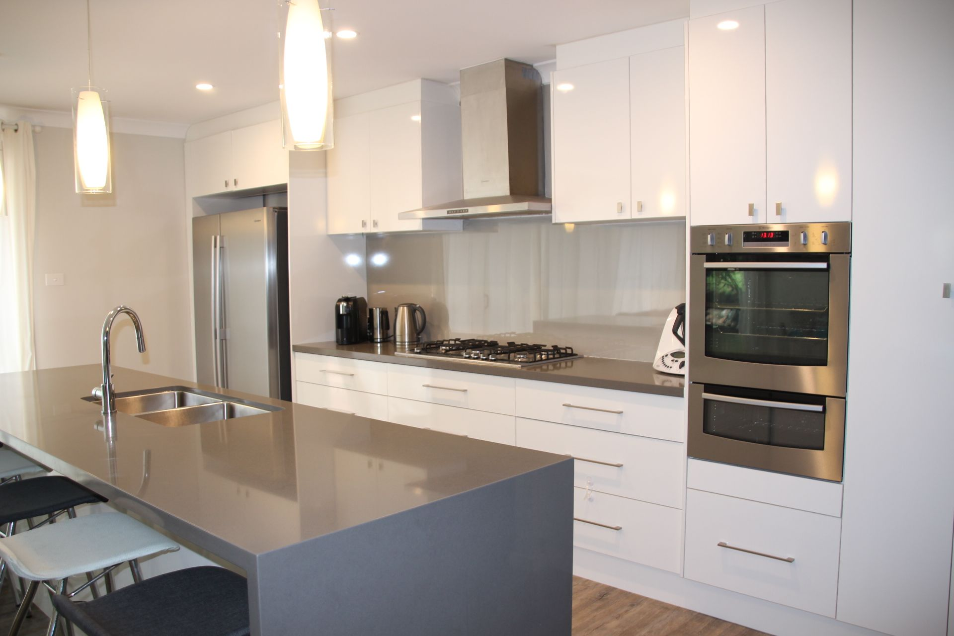 Design Your Perfect Kitchen Cheat Grey And White Kitchen With