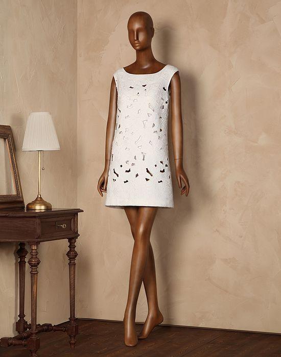 A-linien-kleid aus jacquard mit cut out Für Sie - Kleider Für Sie auf Dolce&Gabbana Online Store Deutschland - Dolce & Gabbana Group