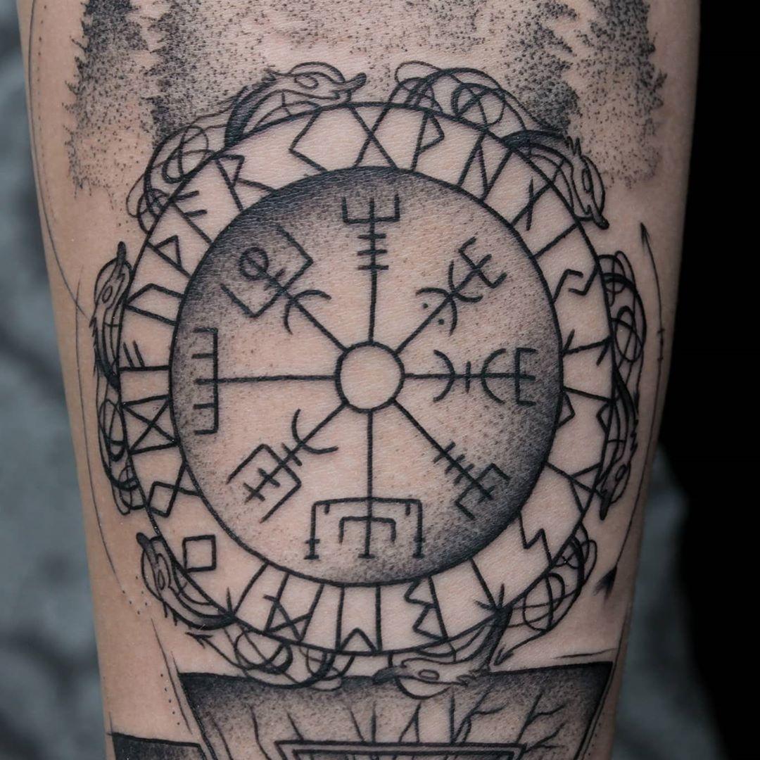 🌲🌲🌲 #nordictattoo #nordic #forest #tattoo #tattooart #tattooartist #arte #matu_tattoo #dotwork #dotworktattoo #geometry #geometroctattoo #tattoos #tattooed #tattooist #tattoolovers #tattoosleve #tattoomodel #tattoostyle #tattooing #tattoo2me #artistic #arte #tatuaż #details