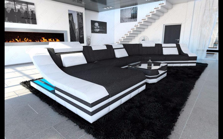Groß und elegant lässt sich wunderbar vereinen - Gemütliche Sessellandschaft mit LED-Beleuchtung.