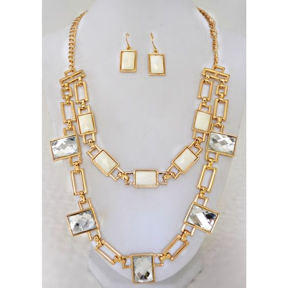 Cream Crystal and Gold Necklace and Earring Set NWT Dress up