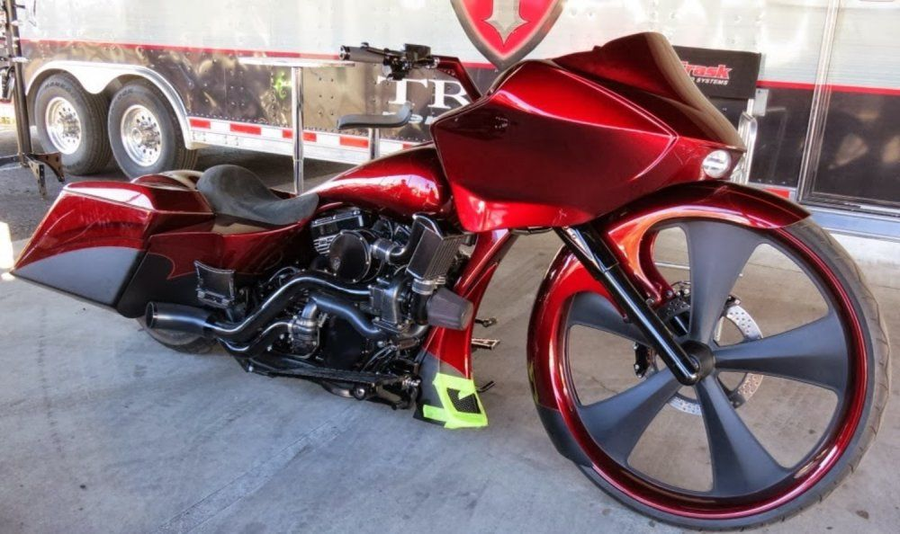 Rally Bike of the Day: These dressers are getting further and further out there. This one was spotted by our reporter Rodent at the Cave Creek Biketoberfest in Arizona. http://ow.ly/qw2sV