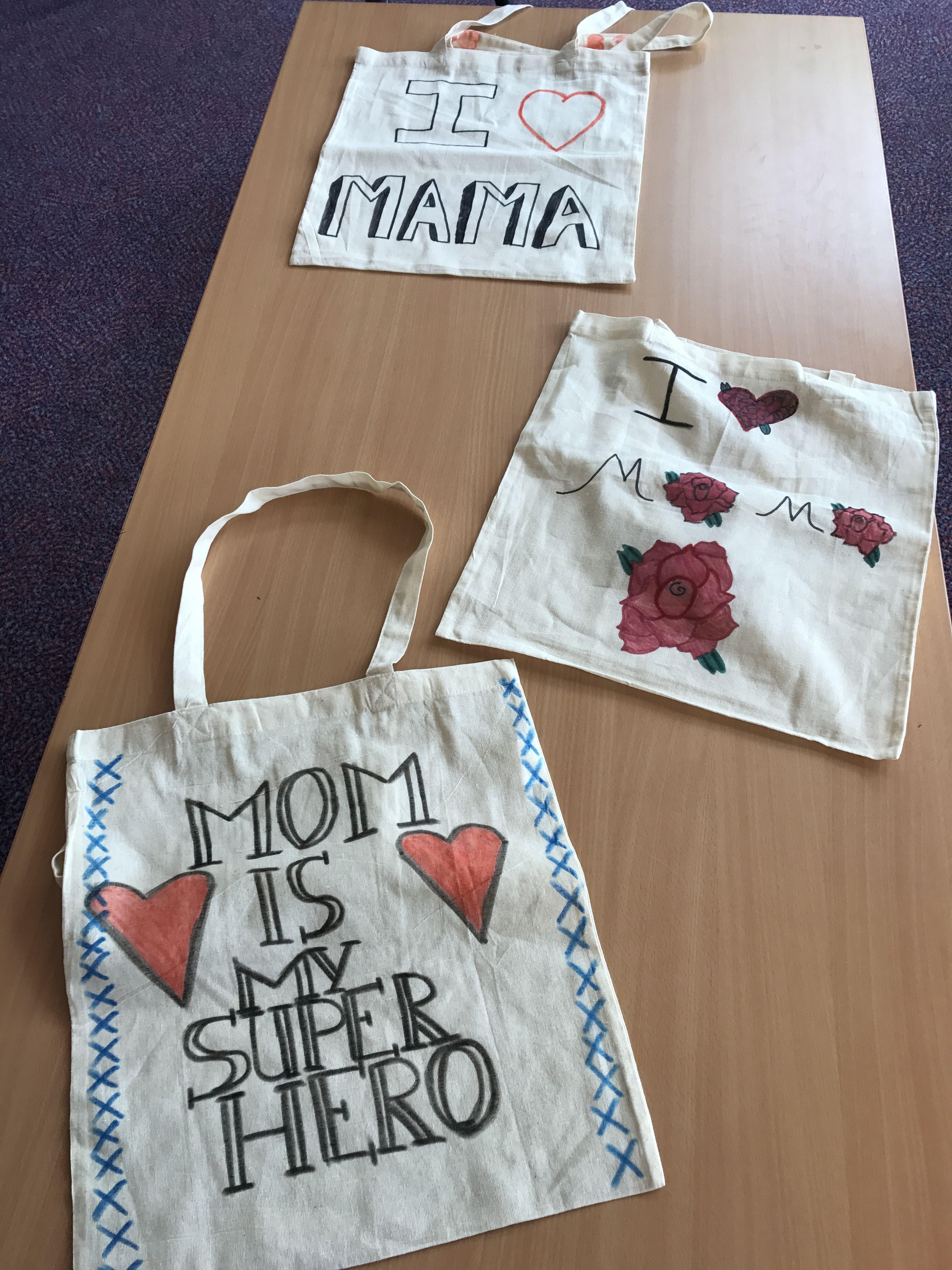 616b7633186 Katoenen tas versieren met textielstiften voor moederdag. | Moeder ...