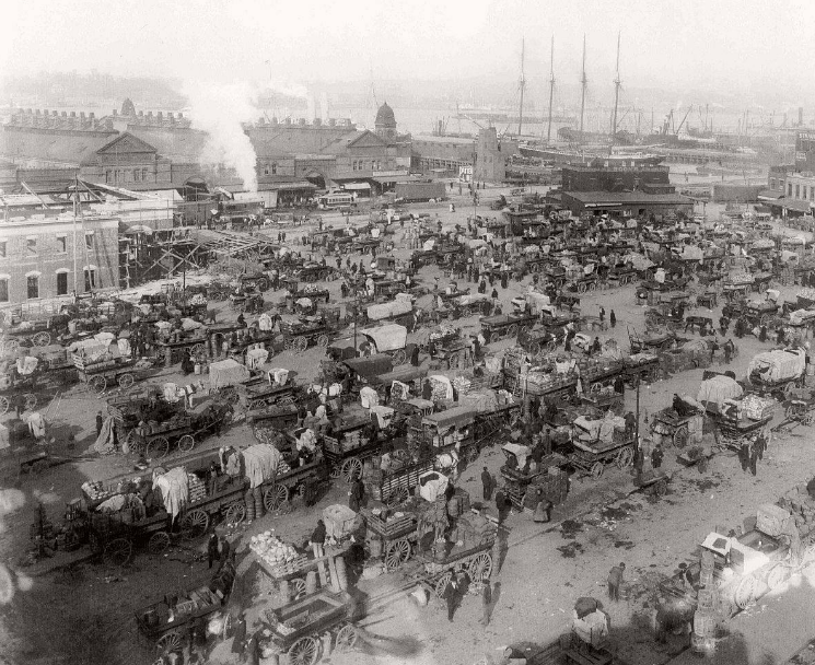 COMMERCE: Washington Market area of Lower Manhattan teeming with buyers and sellers of unloaded goods. NY 1907