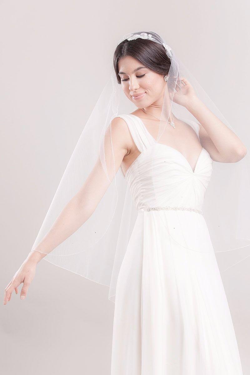Laura jayne veil and wedding