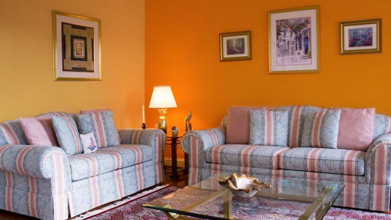 Dengan Orange Ceria Di Ruang Tamu Places To Visit House