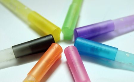 Nước hoa cây bút cao cấp xuất xứ Korea hiệu dễ thương, 7 màu, 7 mùi, cá tính, quyến rũ chỉ với 98.000VNĐ so với giá gốc 200.000VNĐ tiết kiệm 51% tại mientayMUA.com! ($4.88)