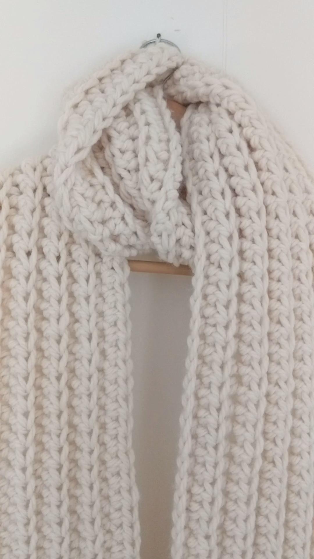 The Lexi Crochet Scarf - Free Crochet Pattern