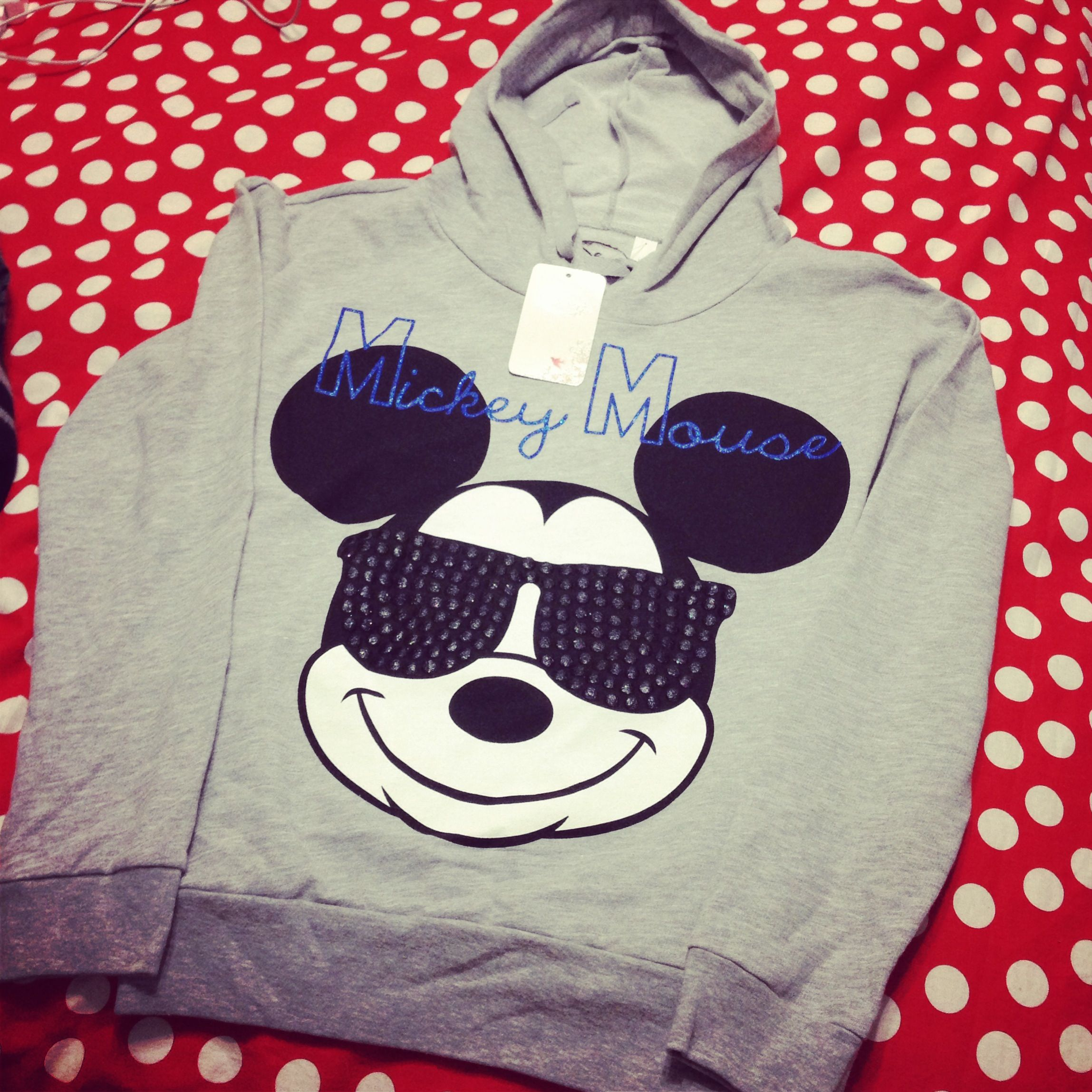 Mom got me a Mickey Mouse hoodie! Thanks mom :D