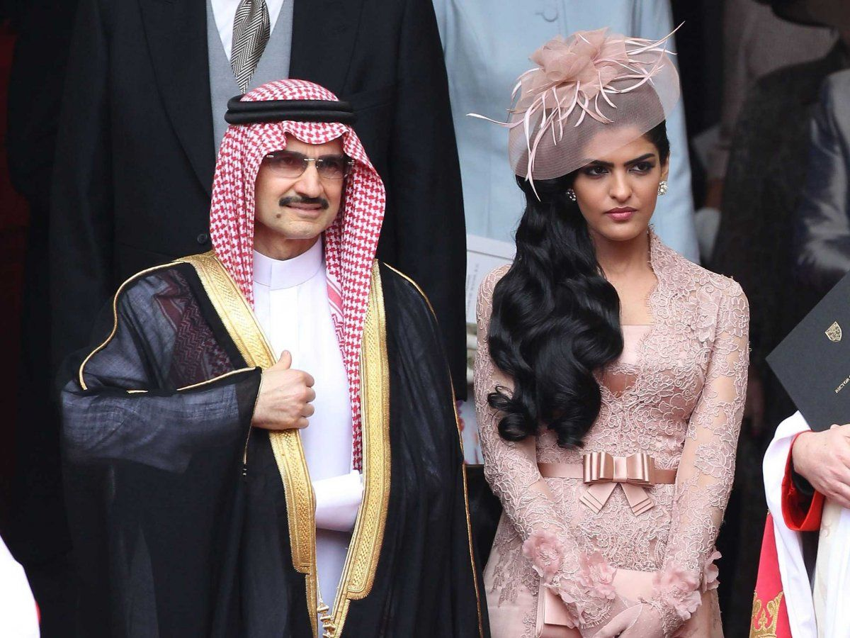 What are the wives of Arab sheikhs without the burqa. There is something to see 77