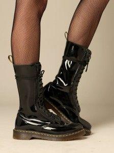 Pin by Gita Wulandr on Dr.Martens   Pinterest   Chaussures ... d8a22f9a7630