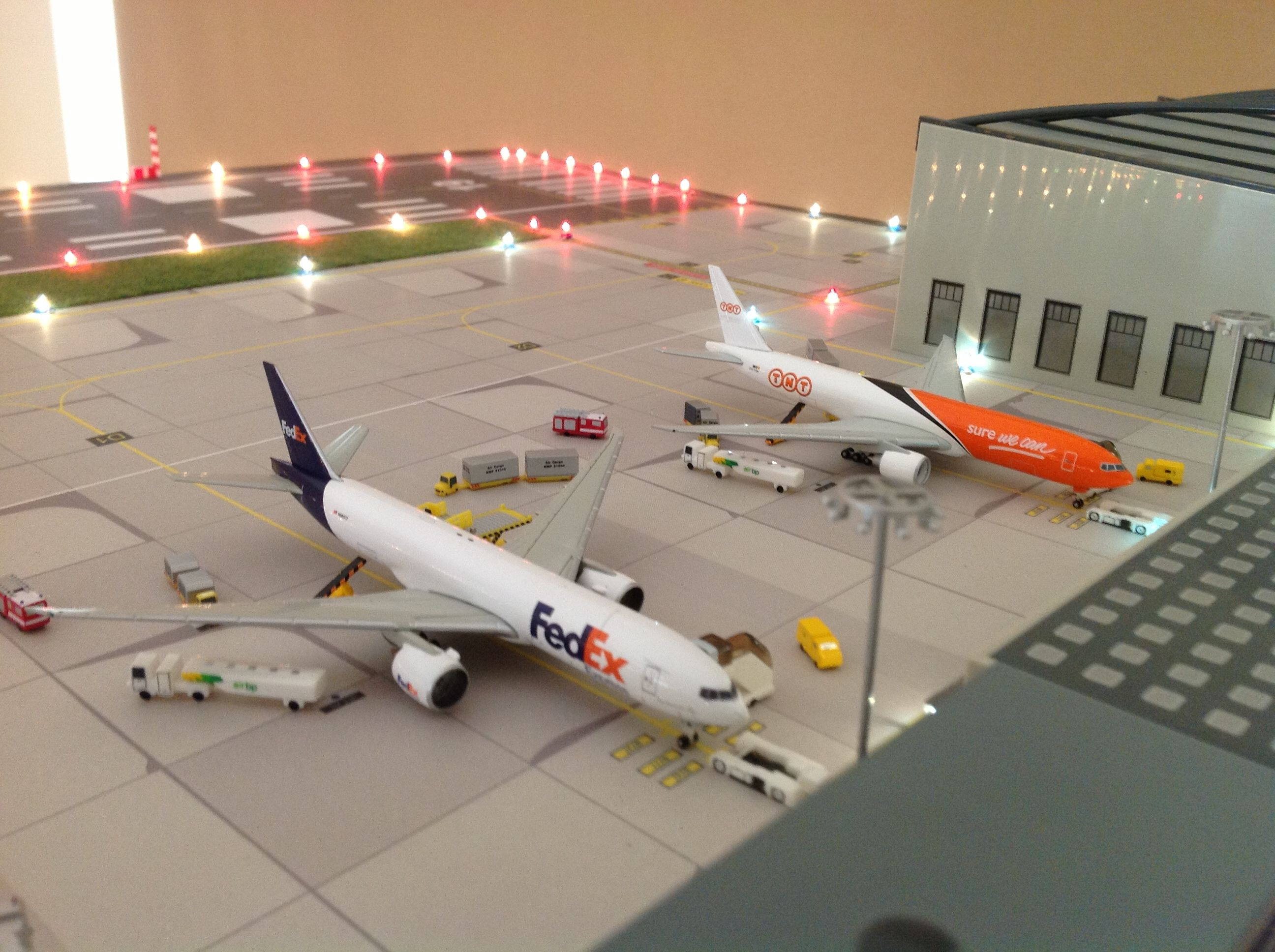 Herpa 1 500 Airport Diarama Lego City Airport Model Airplanes Model Planes