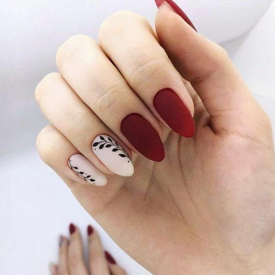 20+ Cool Tropical Leaves Nails Designs