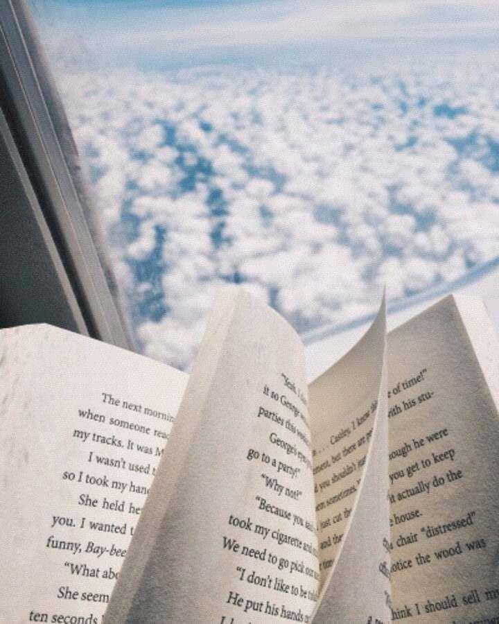 Épinglé par AQUA🦀 sur Books   Photographie de livre, Astuces photo, Café  et livres