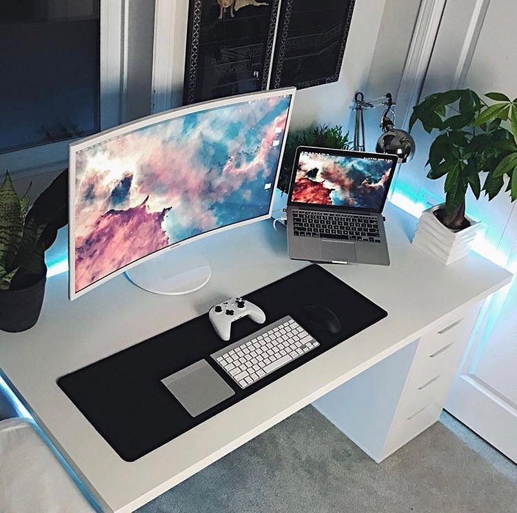 consulta esta foto de instagram de minimalsetups 5 974 me gusta desk. Black Bedroom Furniture Sets. Home Design Ideas