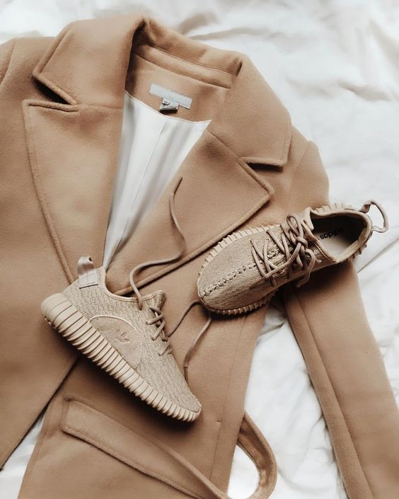 yeezy oxford tan outfit