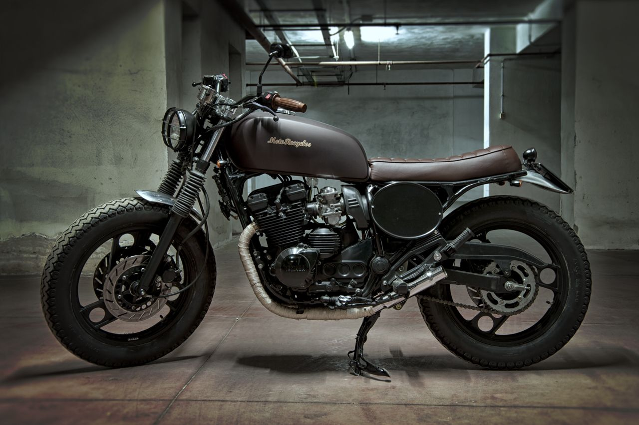 http://www.motorecyclos.com/moto/yamaha-dark-jap/