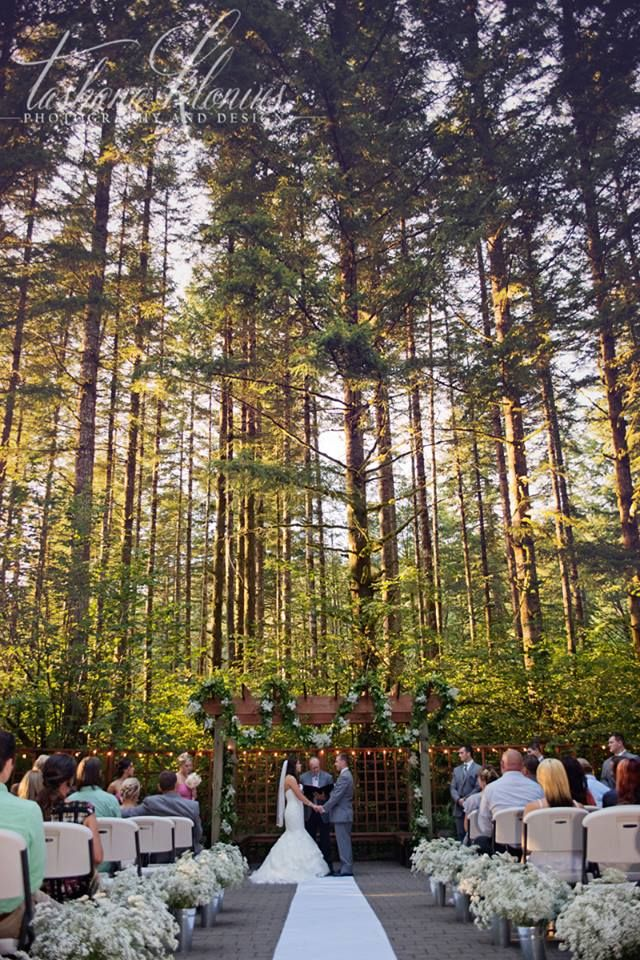 We Love Hosting Weddings At Anderson Lodge Whether You Love A Peaceful Indoor Wedding Venues Washington State Washington Wedding Venues Wedding Venues Oregon