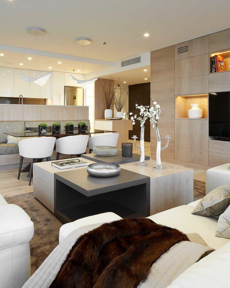 Wandfarbe Cremeweiß, Gestaltungselemente und Möbel in heller - designer mobel materialmix