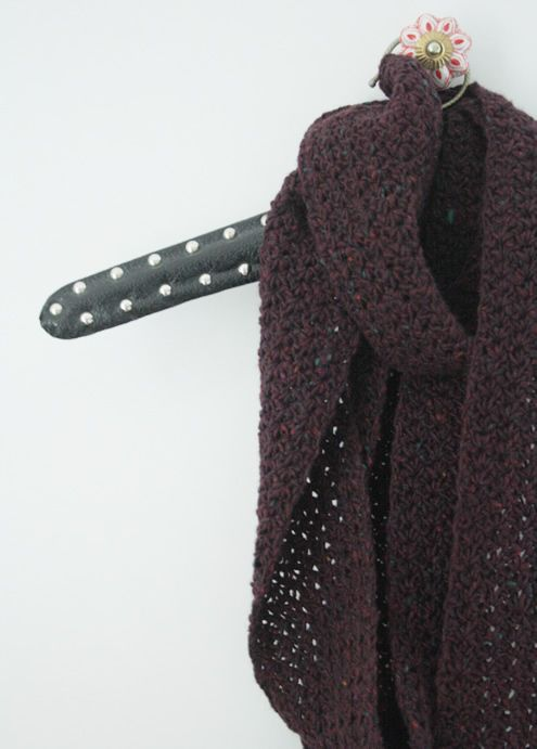Long, skinny scarf in tweed (with a modest crochet tutorial)