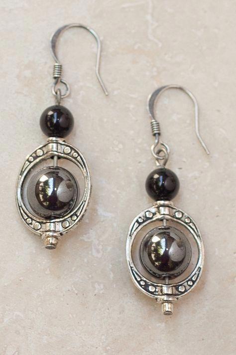 Classically feminine and elegant, the Maya earrings are a