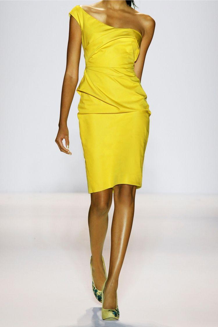 Vestido amarillo.Bello