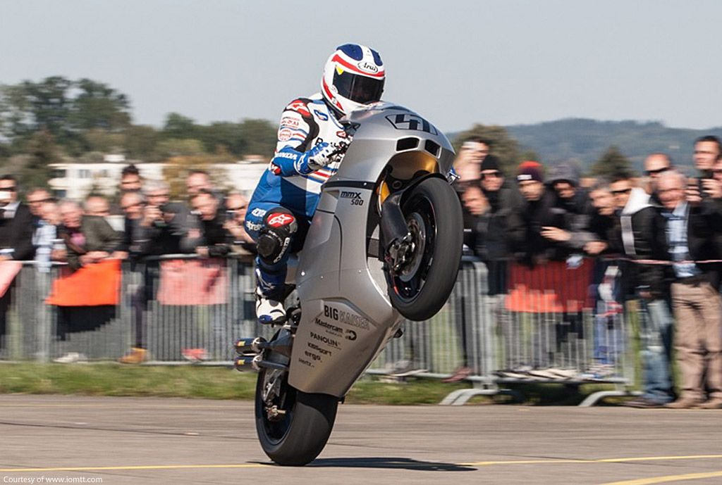 American Freddie Spencer tests the Suter MMX500. It will race at the Isle of Man TT
