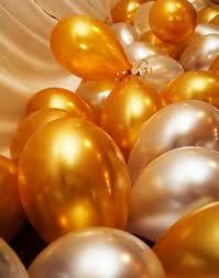 Das sind genau die richtigen Luftballons für die Goldene Hochzeit I Golden balloons  For Golden Wedding Anniversary Celebration.  Silver for Silver Wedding Anniversary Celebration