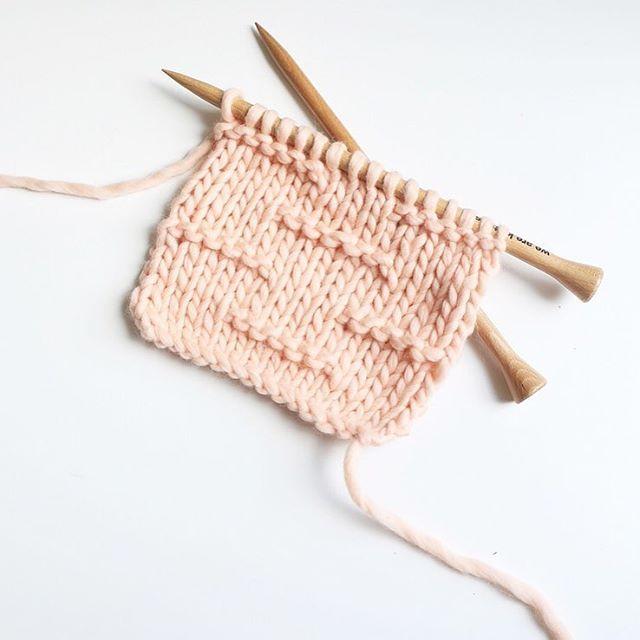 WEBSTA @ morganem2 - New post  #trustthemojo #knittingstitch #tutorial #knit #knitting #knitwear #weareknitters #wool #yarn #knittersofinstagram #knitting_inspiration #knittersoftheworld #tricot #tejer #loveknit #handmade