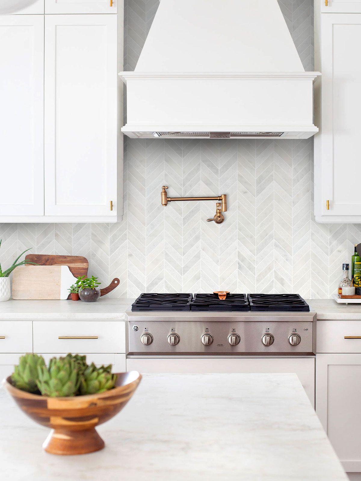Ba631613 Marble In 2020 White Tile Backsplash Cottage Kitchen
