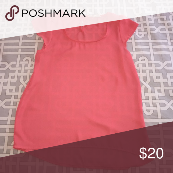 "Pink top Pink top. 16"" from the front. 24"" back. Pink Rose Tops Blouses"