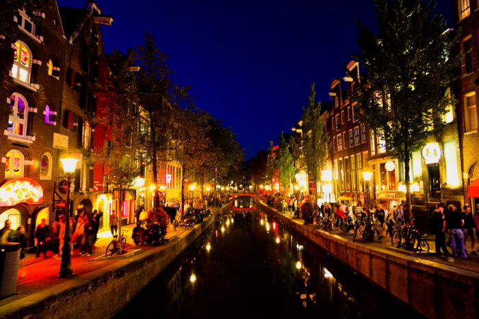 Bicycles And Waterways Of Amsterdam Amsterdam Red Light District