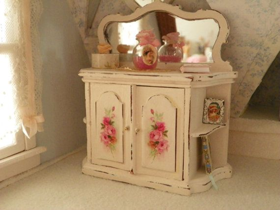 miniature shabbychic dollhouse dresser cupboard kitchen furniture puppenhaus ideen pinterest. Black Bedroom Furniture Sets. Home Design Ideas