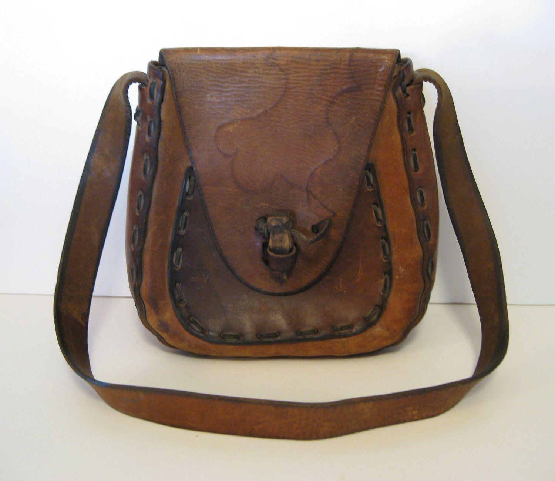 bc77b7feb24c Vintage Leather Saddle Bag Shoulder Strap Pouch Style Purse.