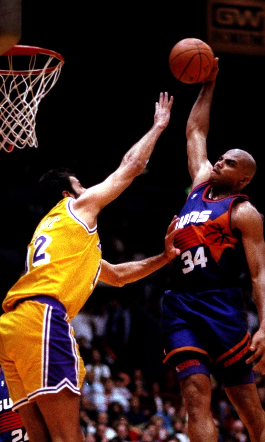 Charles Barkley dunks on Vlade Divac Rare NBA s