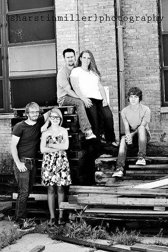 Urban family shoot desperately need older teenage for Urban family photo ideas