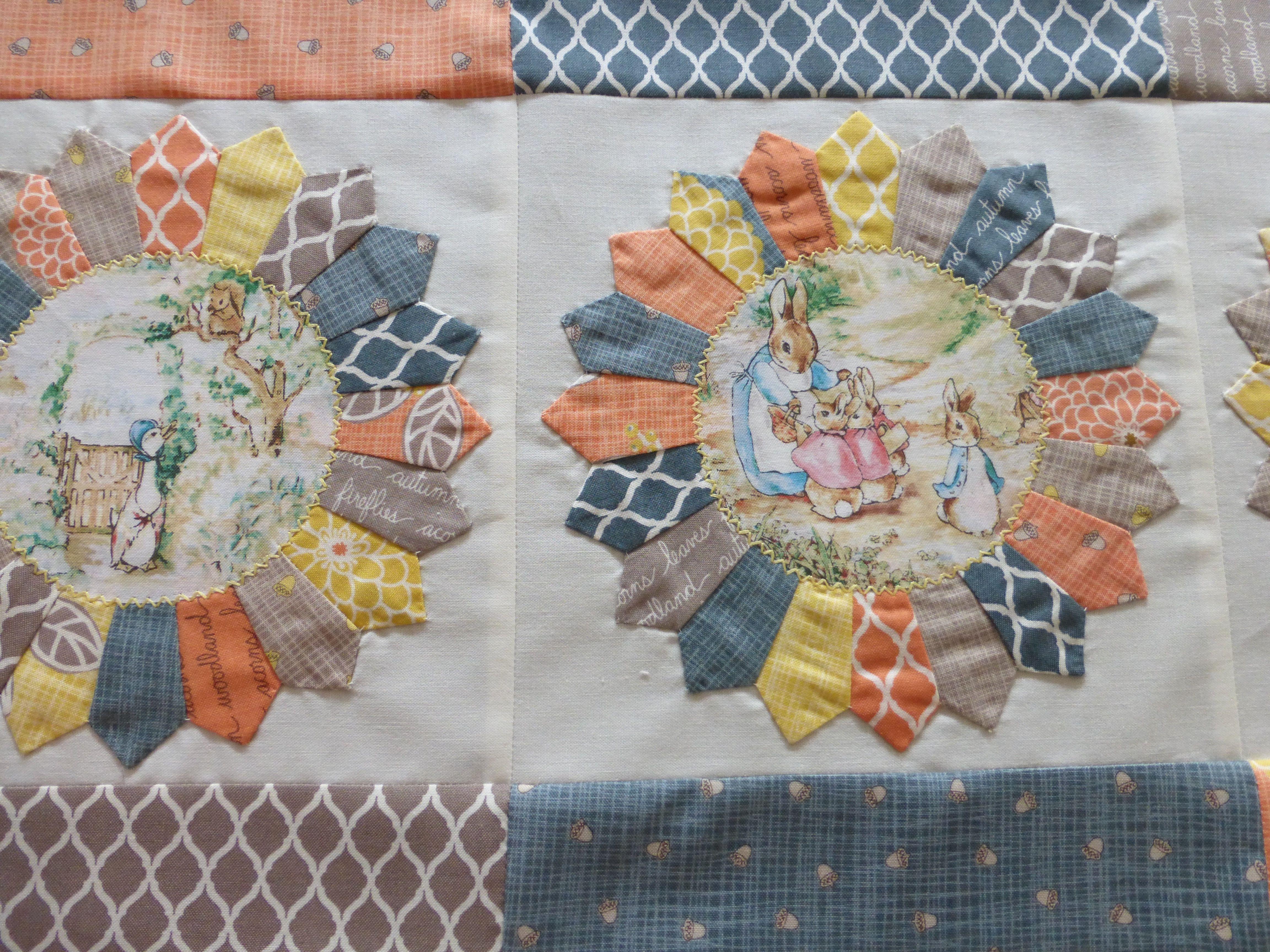 Dresden plates on Adri's quilt