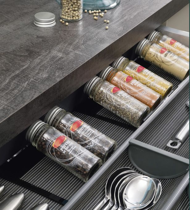 ipractis solution ideal storage for perfect meals. Black Bedroom Furniture Sets. Home Design Ideas