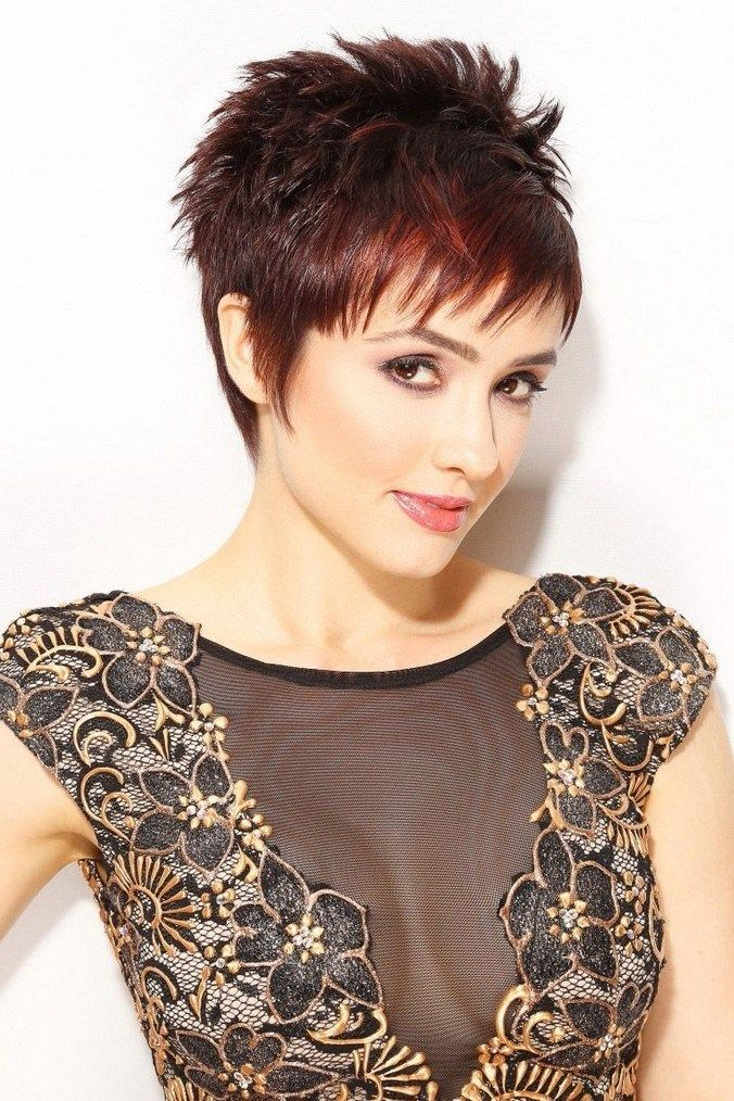 Pin by Martie Steyn on Hair styles   Pixie haircut for ...