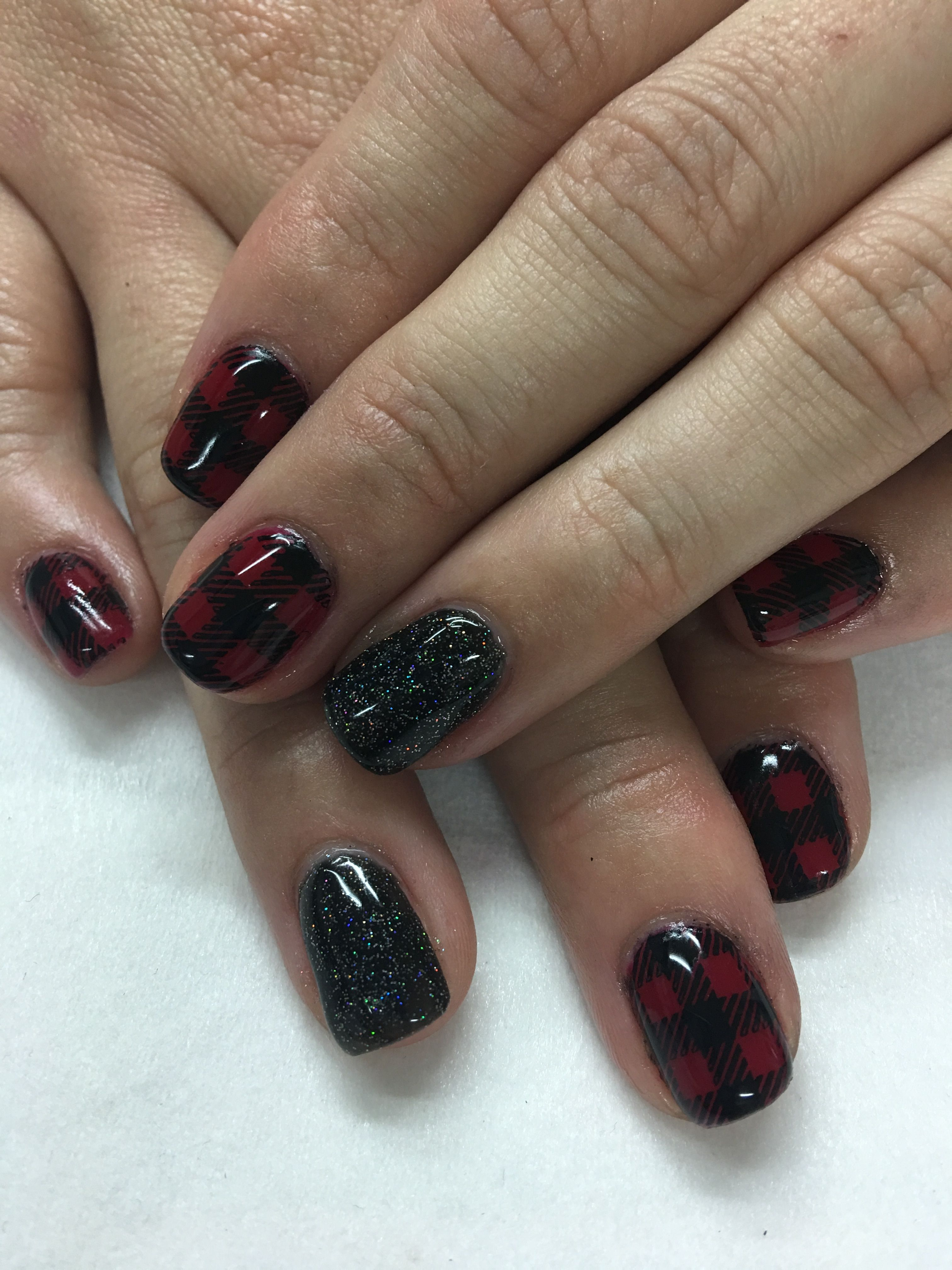 Red And Black Plaid Fall Gel Nails Gel Nail Designs Pinterest