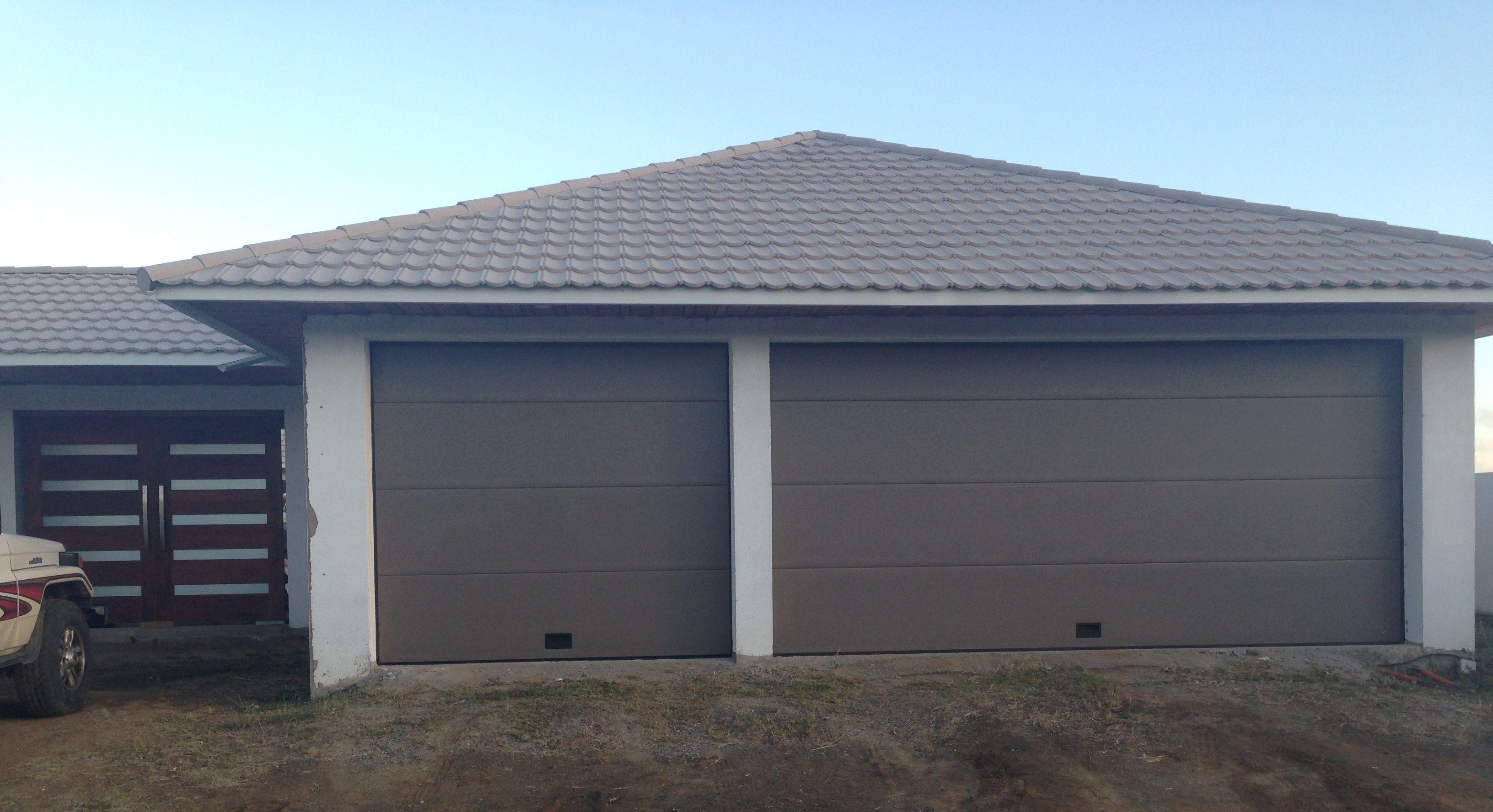 Porte De Garage Sectionnelle Sur Mesure En Aluminium NAO Porte De - Porte de garage aluminium