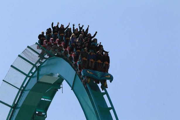 Last summer fling to the amusement park? 5 safety tips parents should know before heading out.