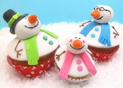 Adorbs! Snowman cupcakes