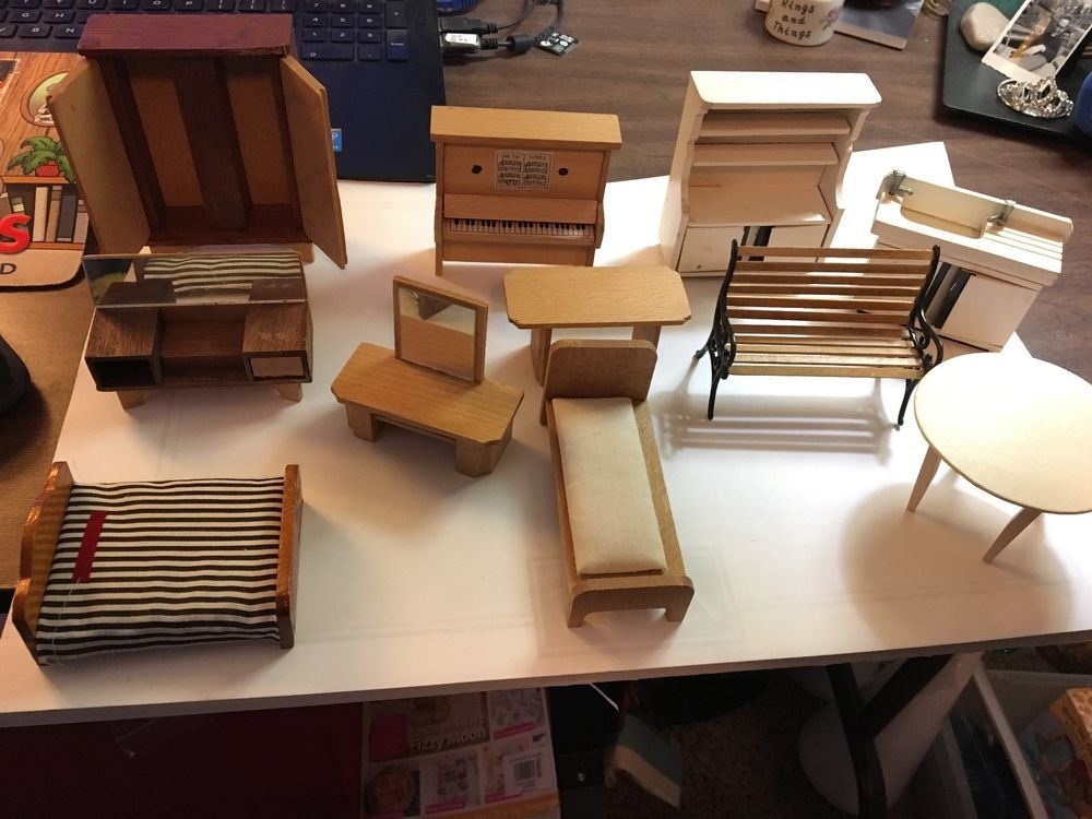 Various Pieces /& Rooms 16 Piece Lot of Wooden Painted Dollhouse Furniture