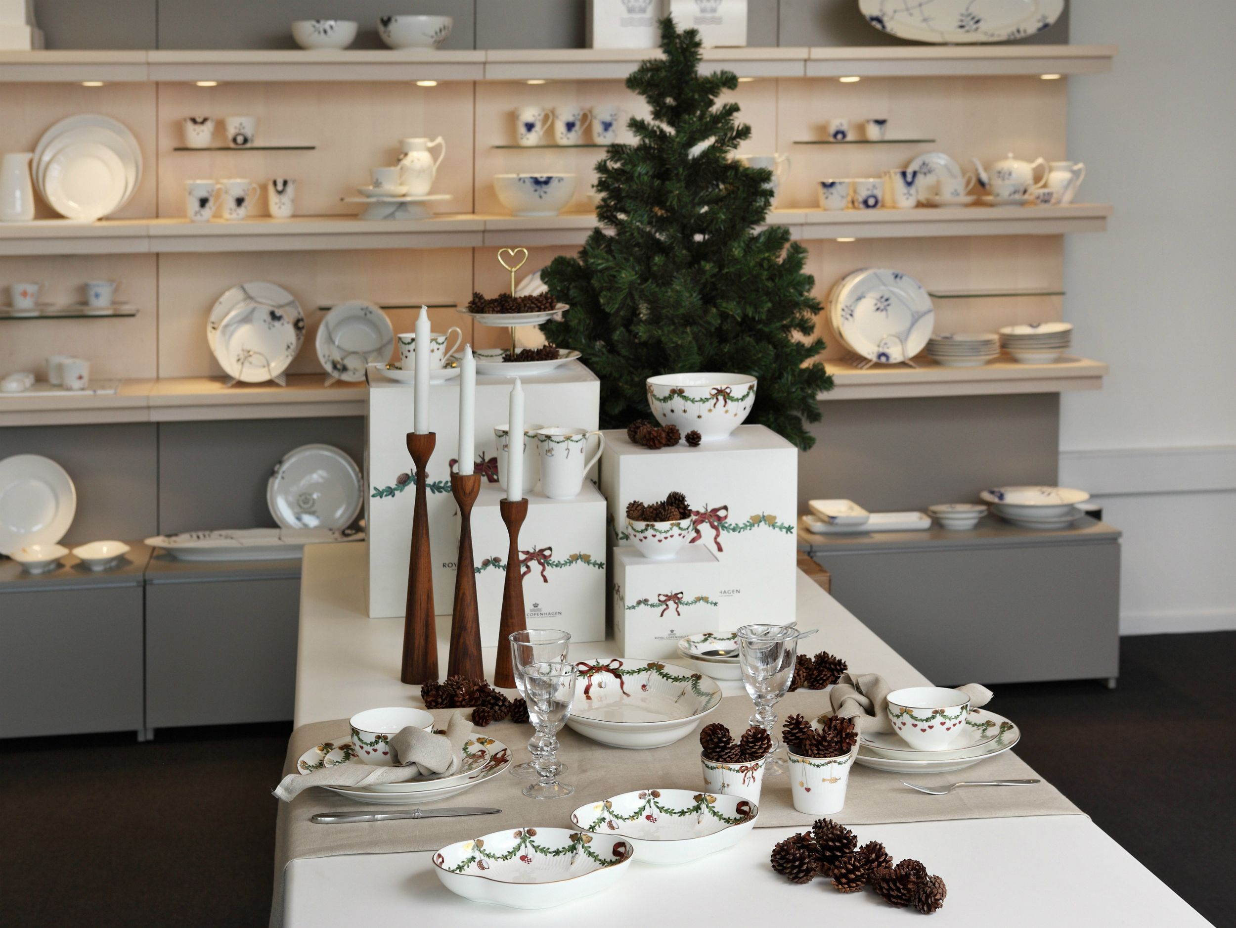 Star Fluted Christmas In The Flagship Store