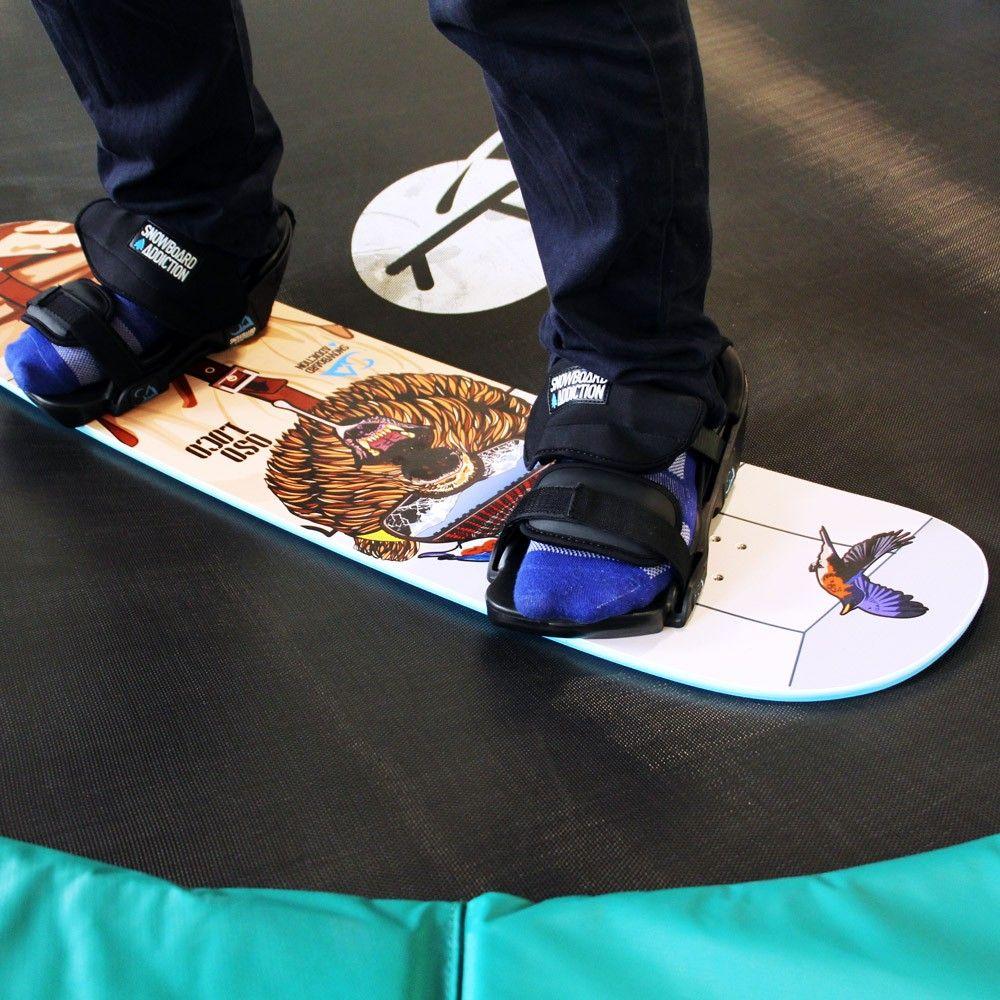 Entrainez Vous Au Snowboard Toute L Annee Grace A Cette Planche Freestyle A Utiliser Sur Trampoline Freestyle Tappeti Elastici Elastici
