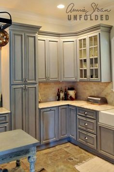 Best Chalk Paint® Kitchen Cabinets Chalk Paint Kitchen 400 x 300